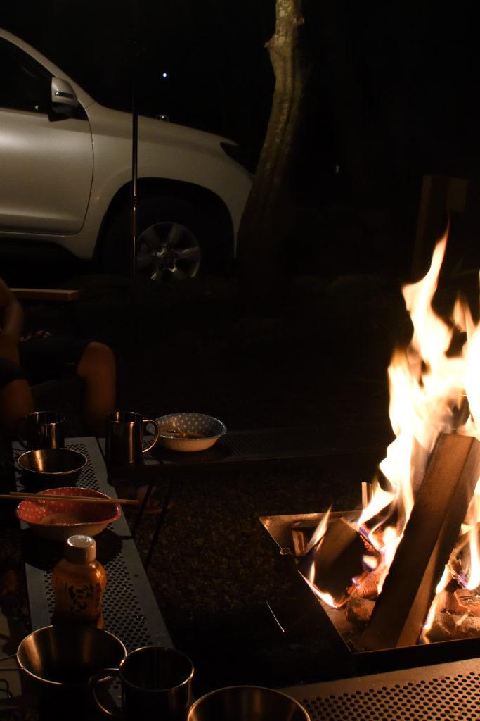 設楽オートキャンプ場での焚き火