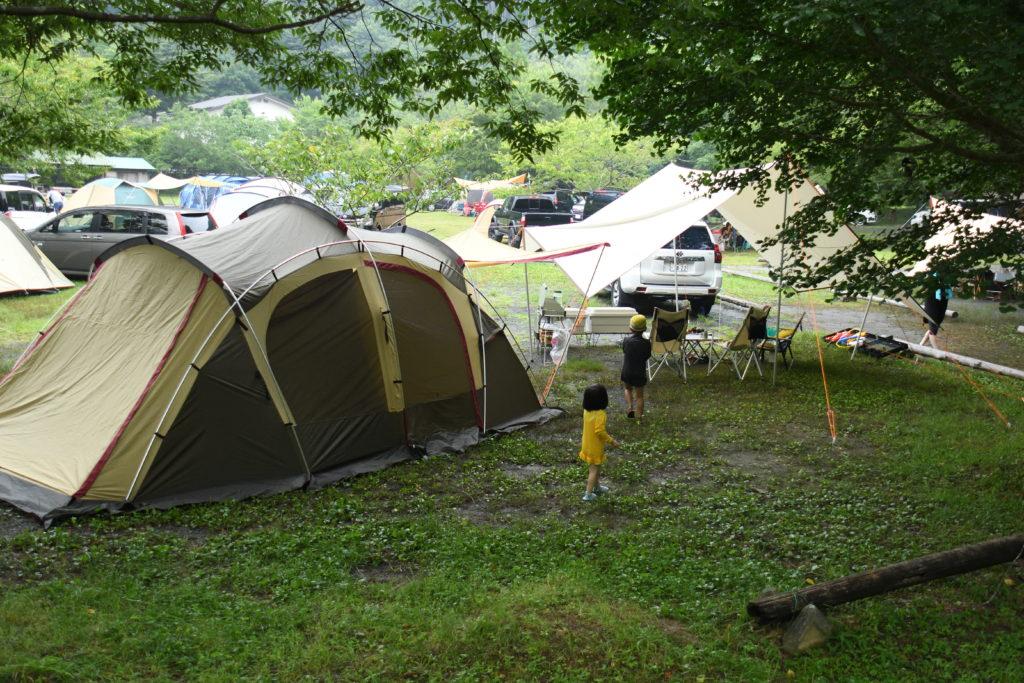 ならここキャンプ場の一般サイトの昼