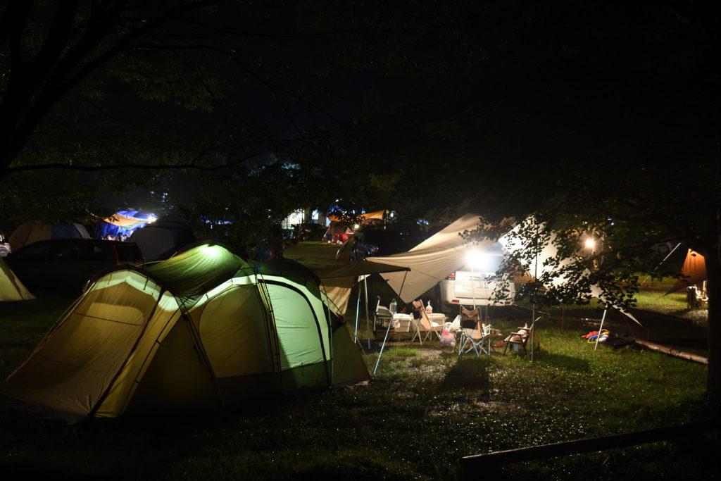 ならここキャンプ場の一般サイトの夜