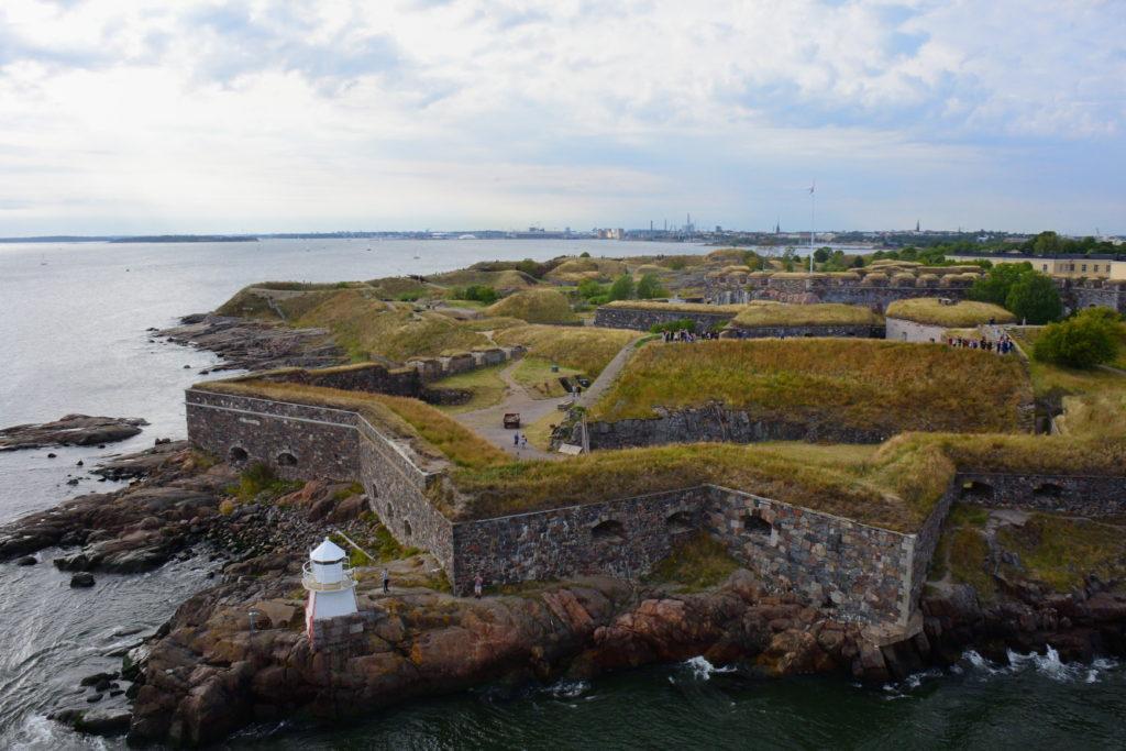 シリヤセレナーデからみたスオメンリンナ要塞