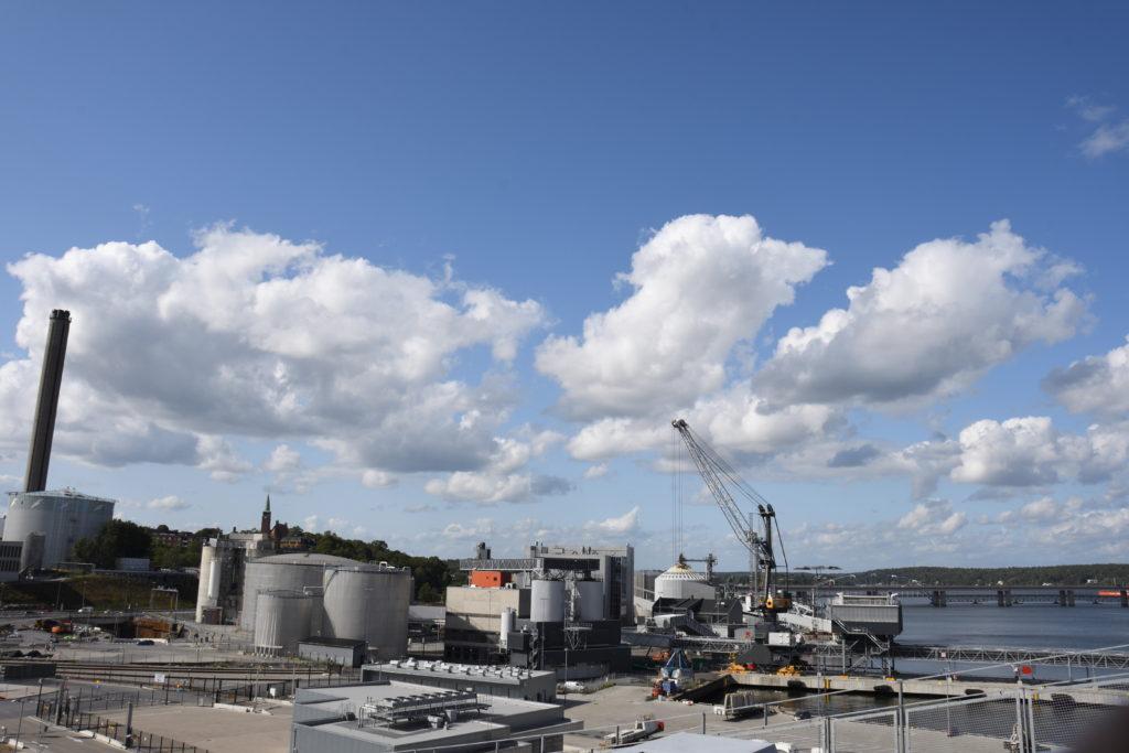 バッタハムン港の工業部分