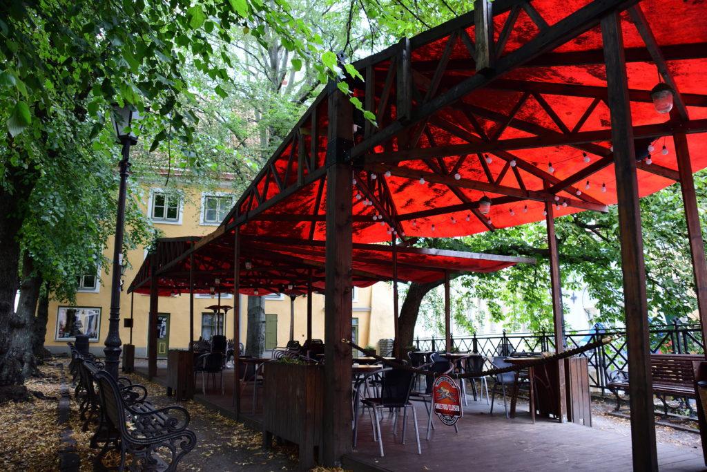 タリン旧市街のカフェ